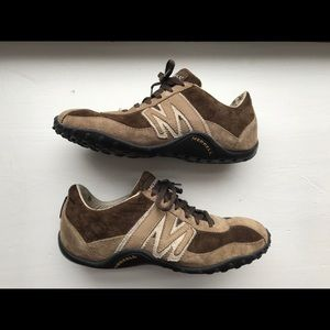 Women's Merrell brown leather shoes size 6.5